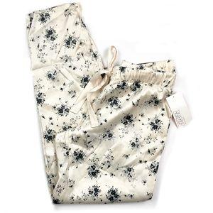 ✅Gillian O'Malley Satin Pants - Stucco Floral